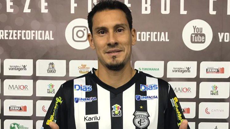 Después de renovar el contrato con América-RN, el defensor Adriano Alves es prestado a trece-PB